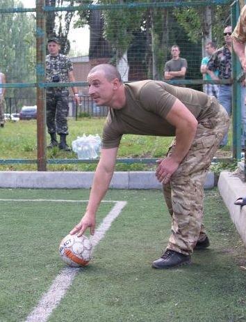 Военные отметили День медика игрой в футбол в Красноармейске (фото) - фото 1