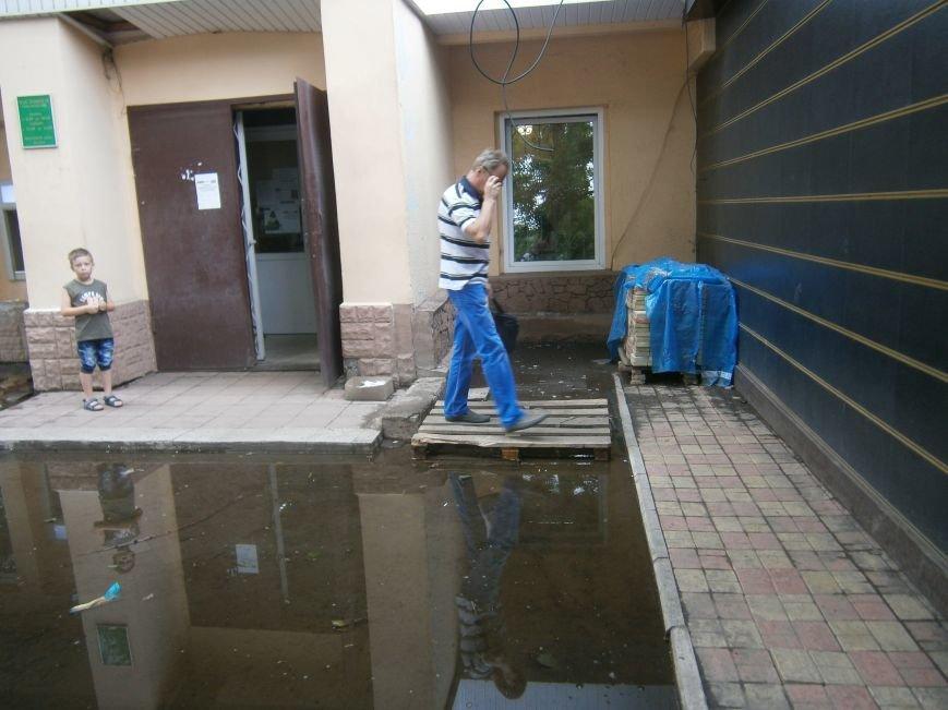 В Димитрове почистили ливневую систему водоотвода в м-не «Светлый» (фото) - фото 9