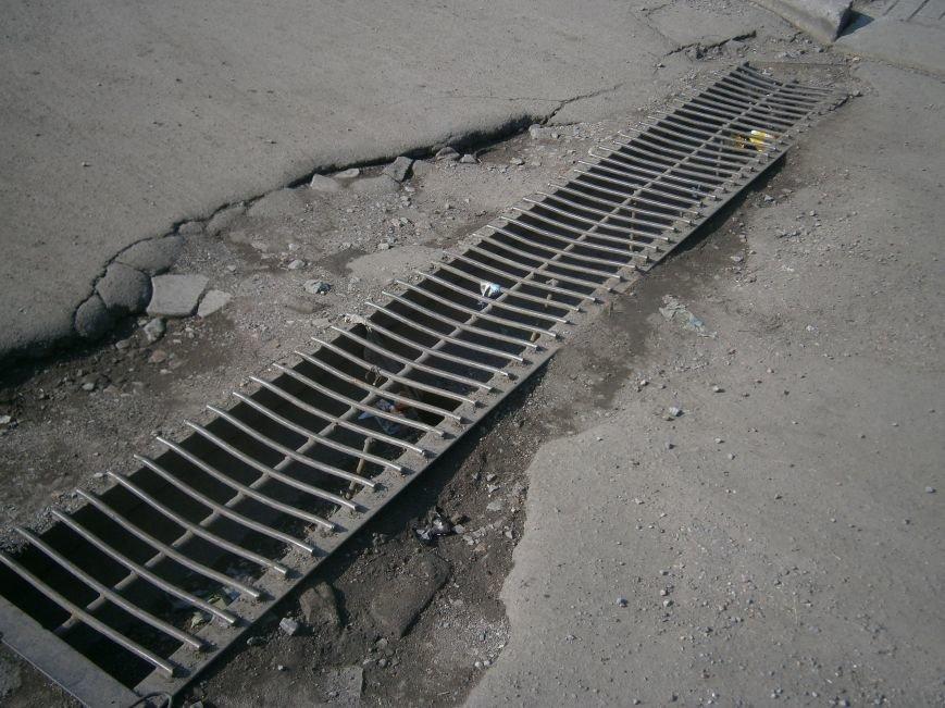 В Димитрове почистили ливневую систему водоотвода в м-не «Светлый» (фото) - фото 5