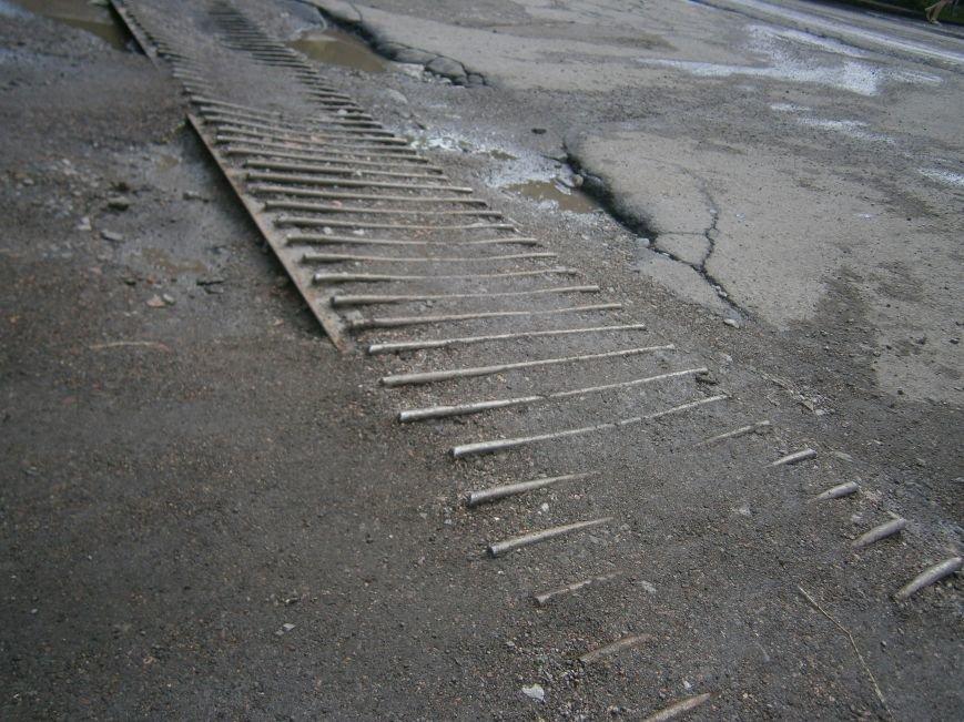 В Димитрове почистили ливневую систему водоотвода в м-не «Светлый» (фото) - фото 3
