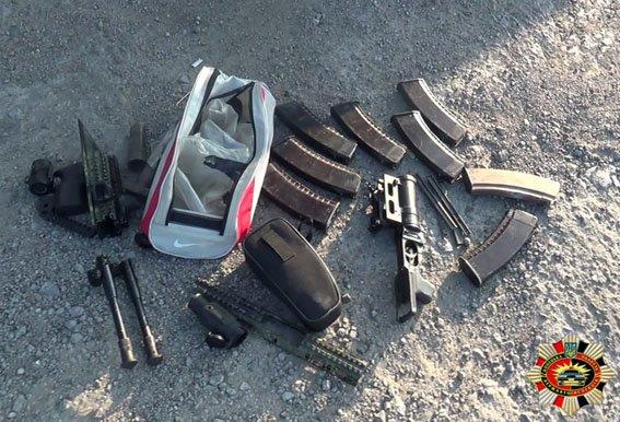 Военнослужащие из Мариуполя вез детали вооружения (ФОТО) (фото) - фото 1