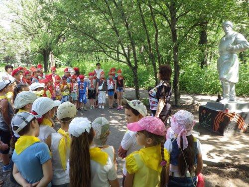 В парке им.Н.А.Вознесенского прошла акция «Зажги свою свечу памяти», фото-3