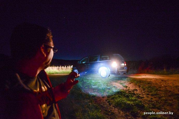 Фоторепортаж: в Сморгонском районе уфологи искали призрак «белой дамы» (фото) - фото 1
