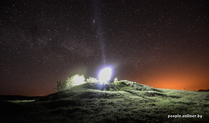 Фоторепортаж: в Сморгонском районе уфологи искали призрак «белой дамы» (фото) - фото 12