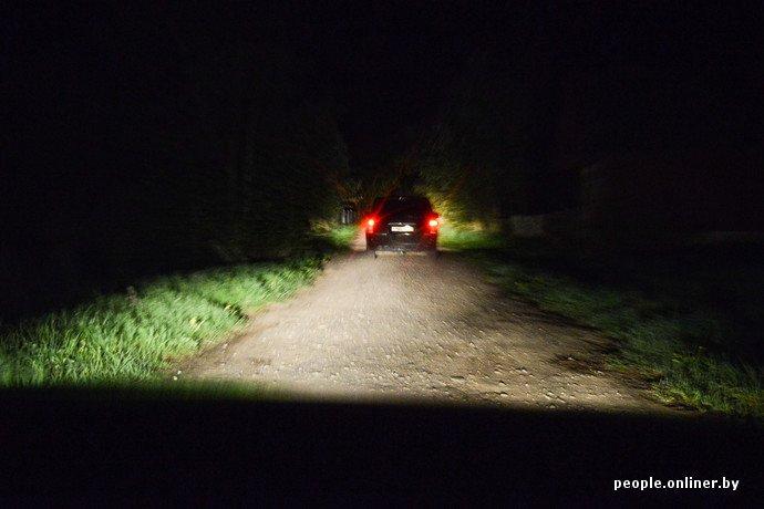 Фоторепортаж: в Сморгонском районе уфологи искали призрак «белой дамы» (фото) - фото 5