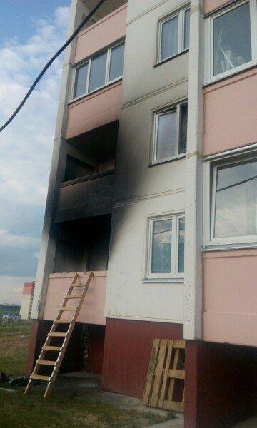 Фотофакт: На Ольшанке горел балкон (фото) - фото 3