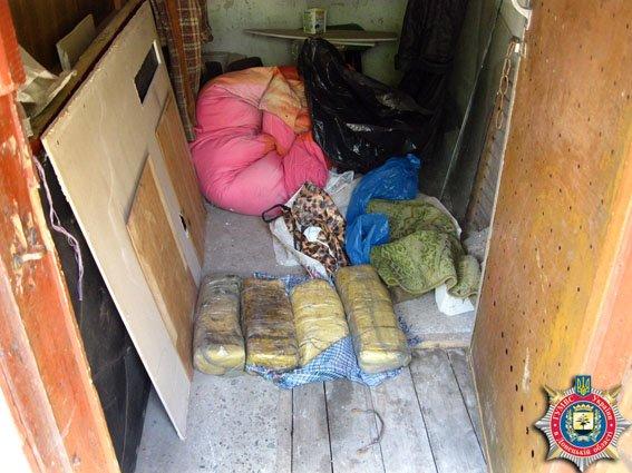 У жительницы Часов Яра изъяли 25 килограмм взрывчатки (фото) - фото 2