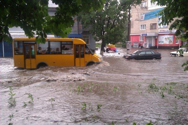 В Сумах сильный ливень привел к локальным подтоплениям (ФОТО) (фото) - фото 1