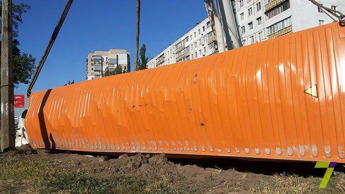 В Одессе на Котовского перевернулась фура (ФОТО) (фото) - фото 1