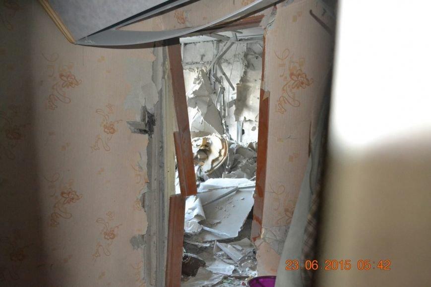 Дэнээровцы обстреляли представителей СЦКК ижилые дома в Авдеевке. Погибли двое мирных граждан (ФОТО) (фото) - фото 1