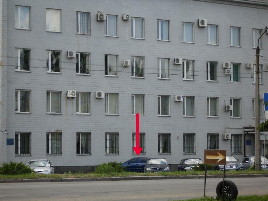 Особливості паркування по-полтавськи. Фотофакт (фото) - фото 3