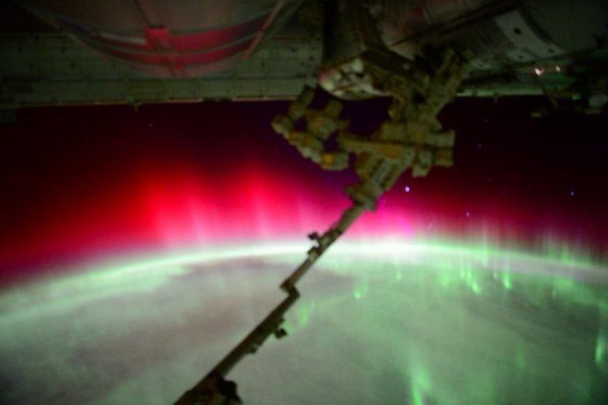 Криворожане наблюдали яркое полярное сияние, вызванное мощной геомагнитной бурей (ФОТО) (фото) - фото 1