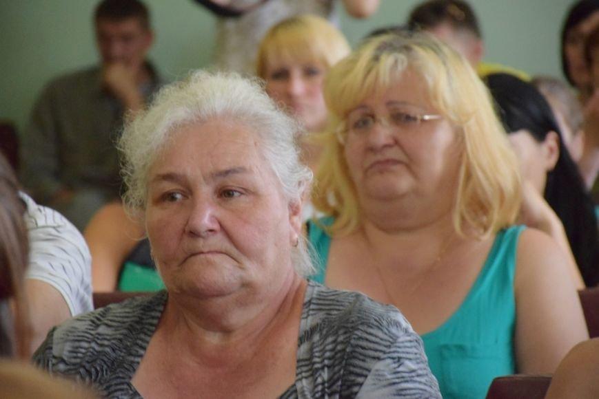В Николаеве семьям вынужденных переселенцев передали аптечки и сладости (ФОТО) (фото) - фото 2