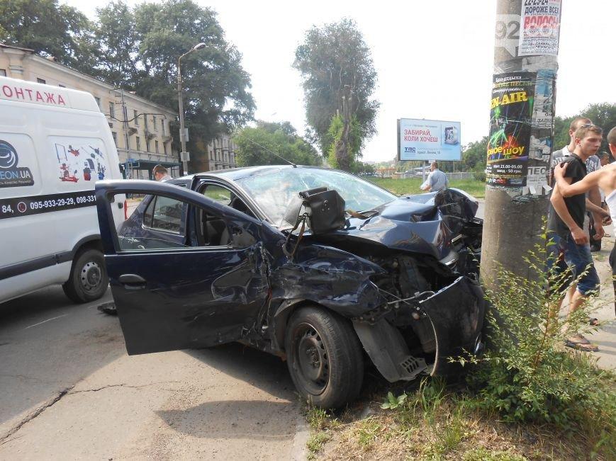 В Днепродзержинске на перекрестке Республиканской и Аношкина произошло ДТП (фото) - фото 3