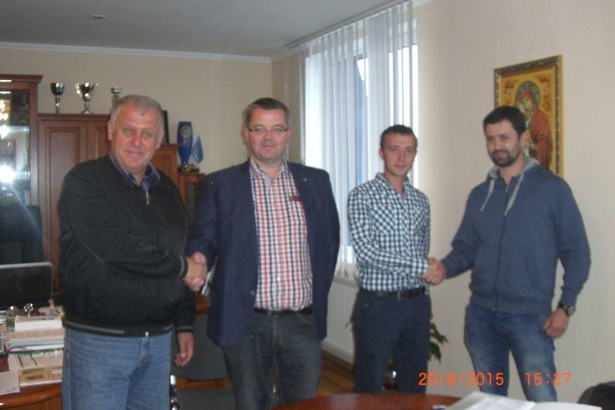 Перша в Україні сортувальна лінія фруктів буде на господарстві Гадза (фото) - фото 1