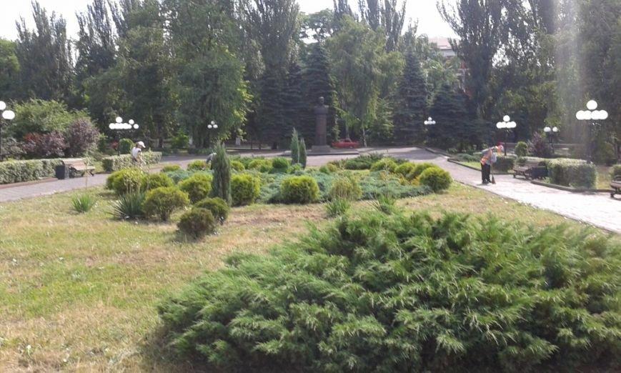 В Енакиево благоустраивают знаковые места, фото-2