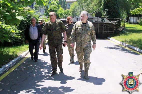 Аброськин в Мариуполе рассказал про процесс «очищения» рядов милиции (ФОТО) (фото) - фото 1
