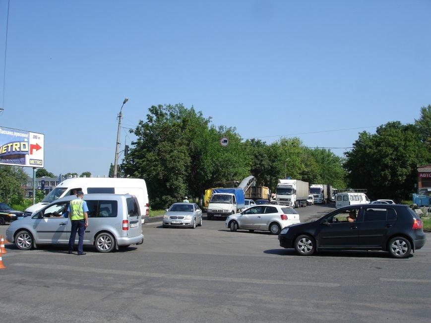 В Полтаві й досі перекрита ділянка траси Київ-Харків. Фото (фото) - фото 1