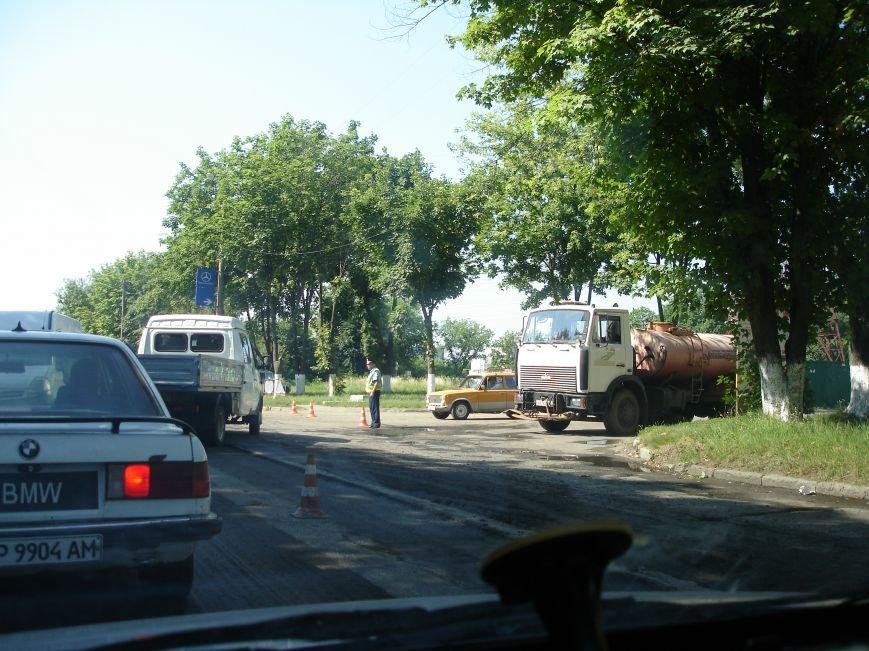 В Полтаві й досі перекрита ділянка траси Київ-Харків. Фото (фото) - фото 7