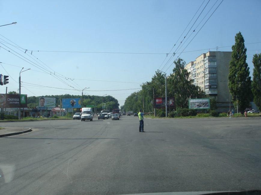В Полтаві й досі перекрита ділянка траси Київ-Харків. Фото (фото) - фото 10