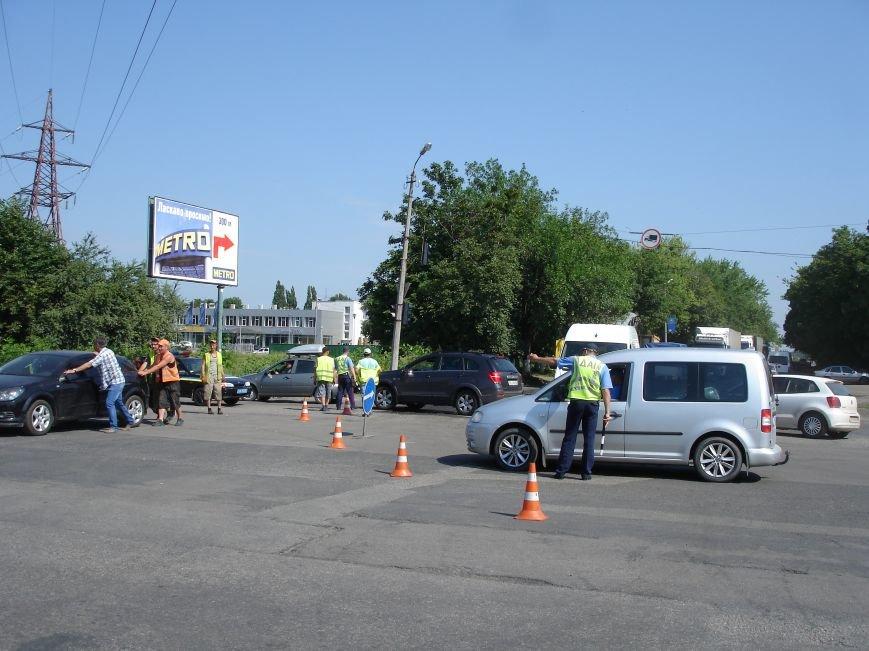 В Полтаві й досі перекрита ділянка траси Київ-Харків. Фото (фото) - фото 2