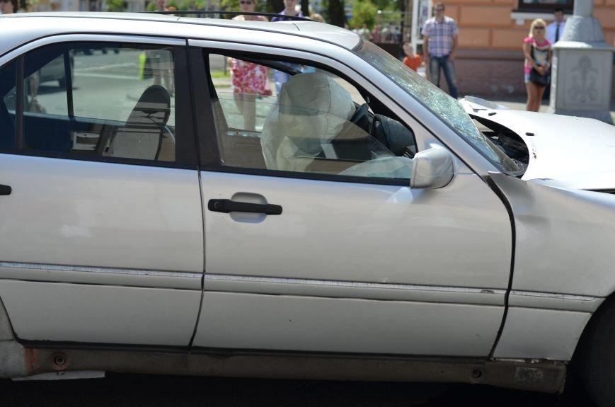 В Гомеле на перекрестке столкнулись «Мерседес» и внедорожник  «Хёндэ». Водитель легковушки «родился в рубашке» (ОБНОВЛЕНО), фото-7