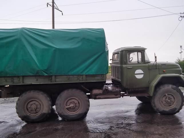 На территорию «ЛНР» военные за деньги пытались ввезти 10 тонн мяса (фото) - фото 1