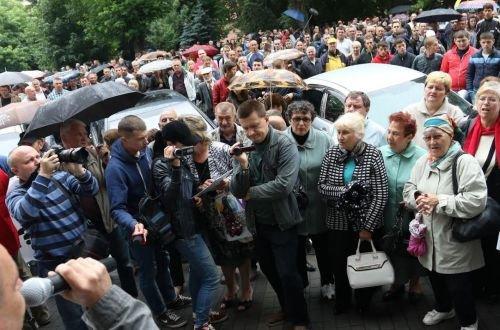 Під Львівською ОДА активісти вимагають реформ і закликають до відповіді Порошенка (ФОТО), фото-1