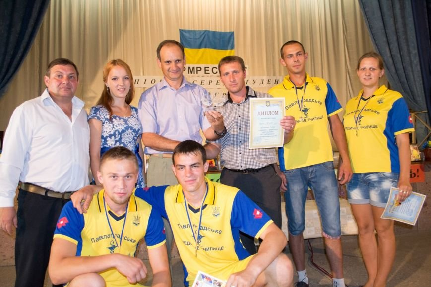 Команда Павлоградского медучилища стала лучшей на студенческом Чемпионате Павлограда по армрестлингу, фото-1