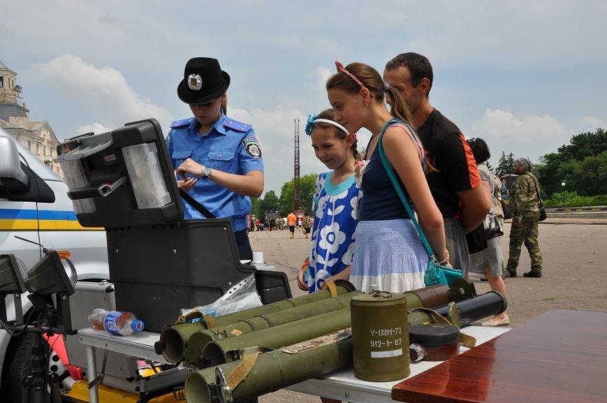 На центральной площади Краматорска состоялось мероприятие посвященное Дню Конституции (ФОТО и ВИДЕО), фото-4