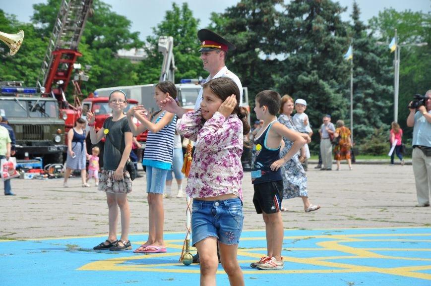 На центральной площади Краматорска состоялось мероприятие посвященное Дню Конституции (ФОТО и ВИДЕО), фото-14