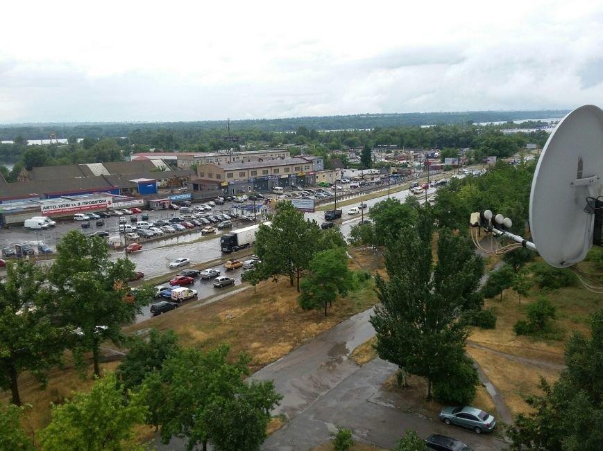 В Запорожье свирепствует непогода: город постепенно уходит под воду (ФОТО), - Дополняется (фото) - фото 1