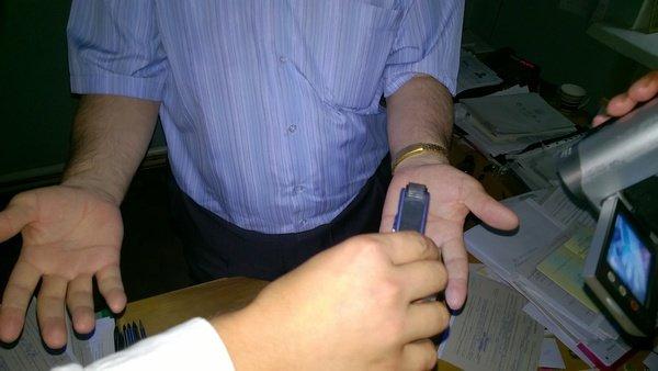 В Харькове чиновник миграционной службы брал взятки с переселенцев (ФОТО), фото-1