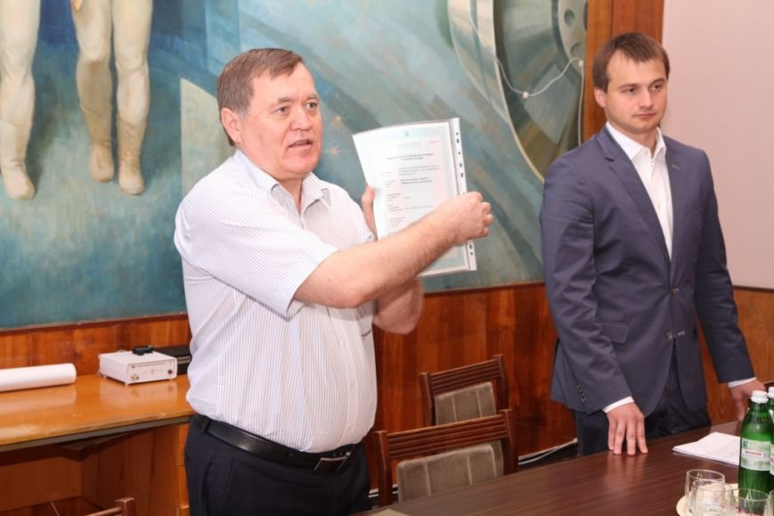Кандидат в народные депутаты Сергей Березенко помог «Черниговскому заводу радиоприборов» получить новую лицензию, фото-1