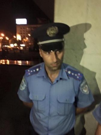 Скандал: Геннадий Корбан сообщает о «титушках», которые блокировали здание ЦИК (фото) - фото 1