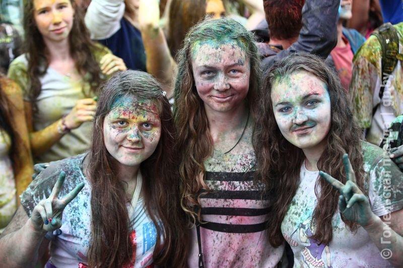 Впервые в Гомеле прошел праздник красок Холи (фото) (фото) - фото 2