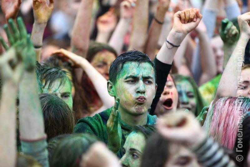 Впервые в Гомеле прошел праздник красок Холи (фото) (фото) - фото 5