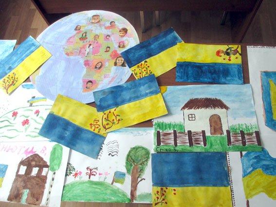 Дети реабилитационного центра Кременчуга ко дню Конституции получили подарки (ФОТО) (фото) - фото 1