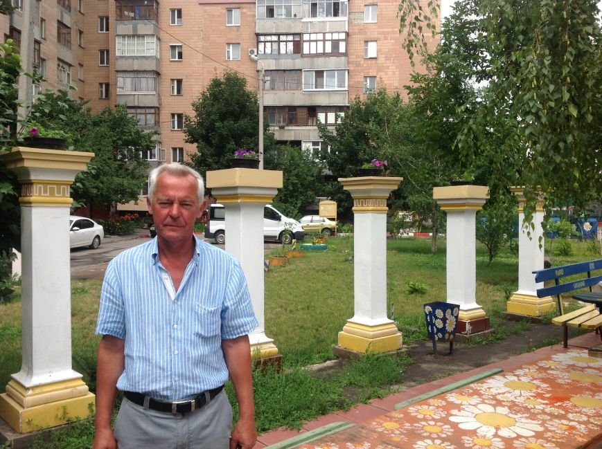 Европейский дворик рядом с высотками: харьковчанин своими силами создал современную зону отдыха, фото-2