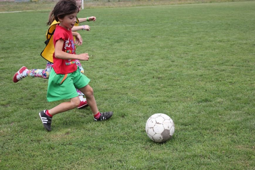 Школьники Димитрова завершили лагерную смену футбольным турниром (ФОТО) (фото) - фото 11