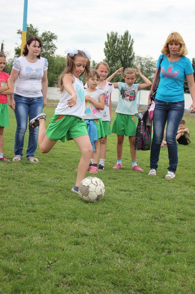 Школьники Димитрова завершили лагерную смену футбольным турниром (ФОТО) (фото) - фото 8