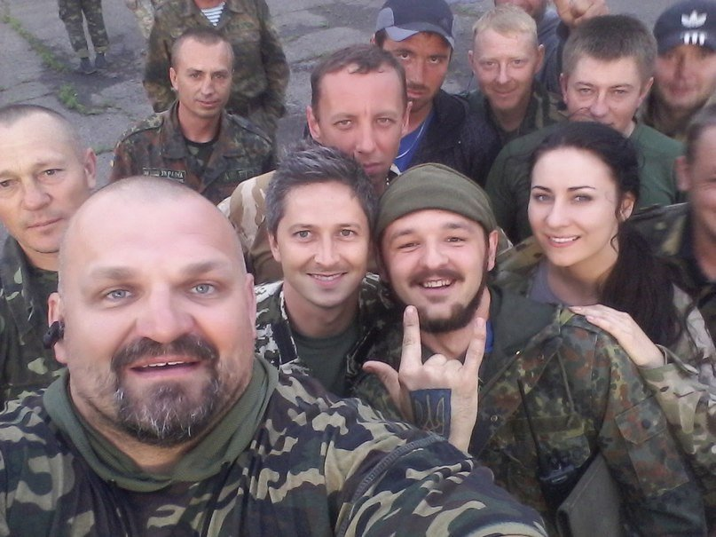 Национальный тренд: «Модный приговор» в ответ агрессору, Украина в сердце, и вышиванка, как символ единства (фото) - фото 11