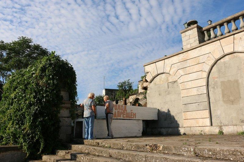В Керчи обрушилась часть знаменитой Митридатской лестницы (ФОТОФАКТ) (фото) - фото 1