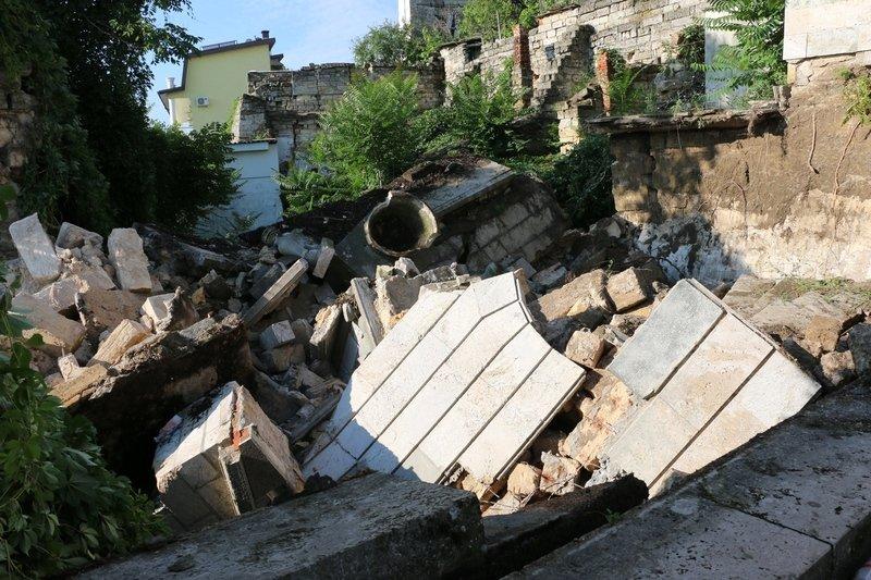 В Керчи обрушилась часть знаменитой Митридатской лестницы (ФОТОФАКТ) (фото) - фото 2