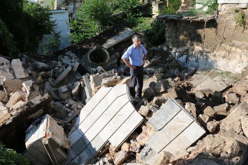 В Керчи обрушилась часть знаменитой Митридатской лестницы (ФОТОФАКТ) (фото) - фото 5
