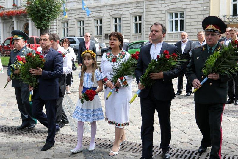 Як у Львові відзначили День Конституції (фото) - фото 3