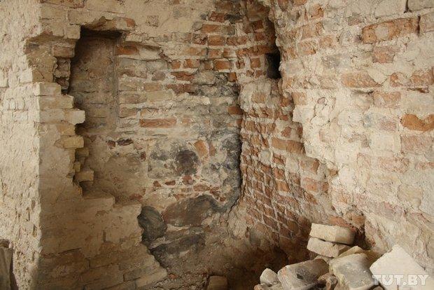 Архитекторы: состояние стен и арки Старого замка критическое (фото) - фото 2