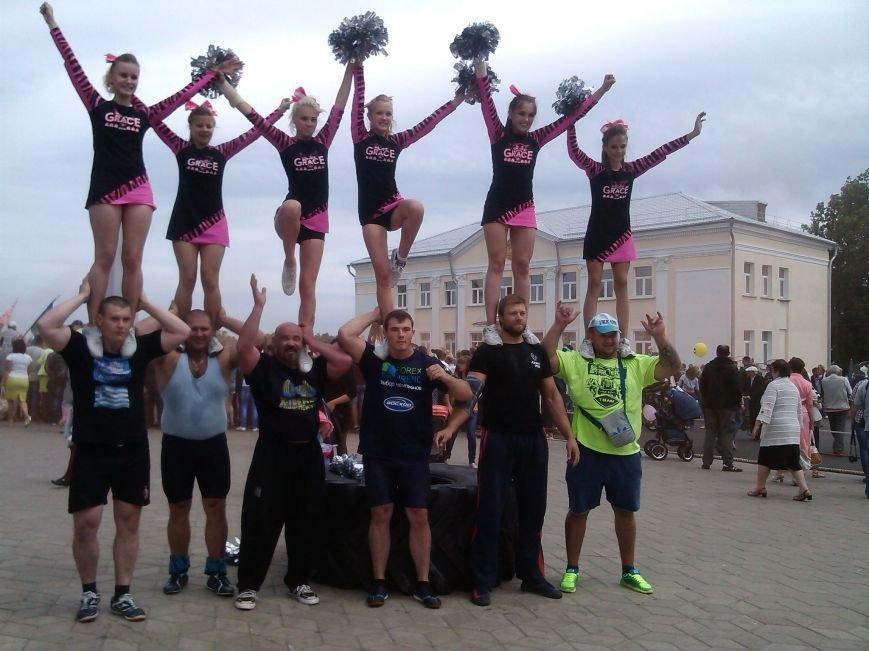 В Гомельской области рекорд по буксировке белорусского комбайна установили украинцы (фото) - фото 3