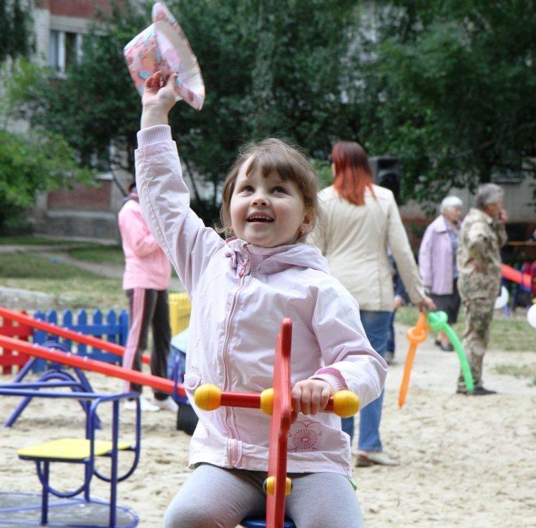 Сергей Березенко открыл в Чернигове еще одну детскую площадку, фото-1