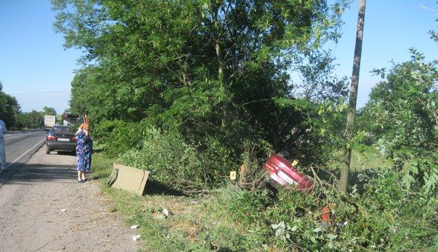 Смертельна ДТП: на Тернопільщині «Mitsubishi» врізався у дерев'яну опору (фото) (фото) - фото 1
